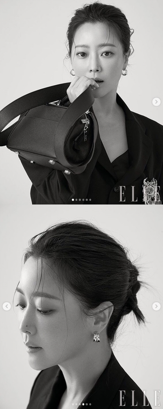 <p>Kim Hee-sun 7 days to his Instagram to #just a fading #easy suggestion #close all programs calledThe Message: The Bible in Contemporary Langua with fashion magazine Ellewith the public.</p><p>The revealed pictorial belongs to Kim Hee-sun is a black suit and wearing a trench coat, posing and appearance. Unique Beautiful looks and enchanting atmosphere and admire to his own.</p><p> Meanwhile, Kim Hee-sun is the last to broadcast the tvN drama My Room since to start to consideration.</p>