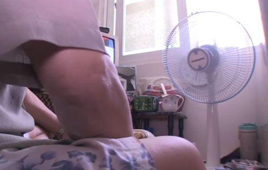 건강한 사람이 밀폐된 공간에서 밤새 선풍기를 켜놓고 자도 사망하는 일은 없습니다. 그런데 유독 한국에서만 '선풍기 사망' 보도가 나왔던 이유는 무엇일까요? [사진=유튜브 화면캡처]