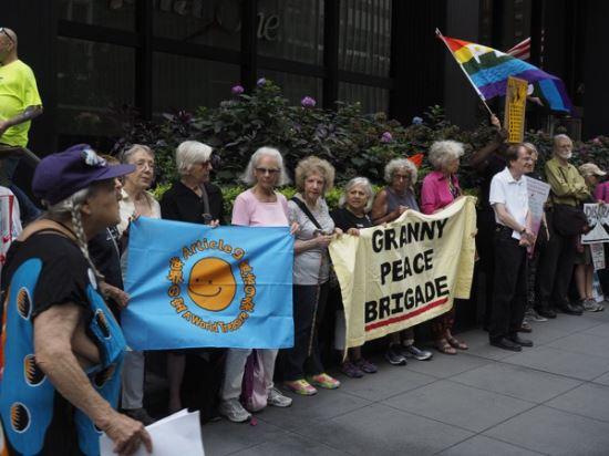 뉴욕시 할머니 평화여단. 비욘드 뉴클리어 홈페이지 캡처
