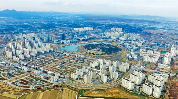 하늘에서 촬영한 광주·전남공동혁신도시. 2014년 조성 이후 5년 만에 인구 3만1000여 명의 자급 도시로 성장했다.  나주시 제공