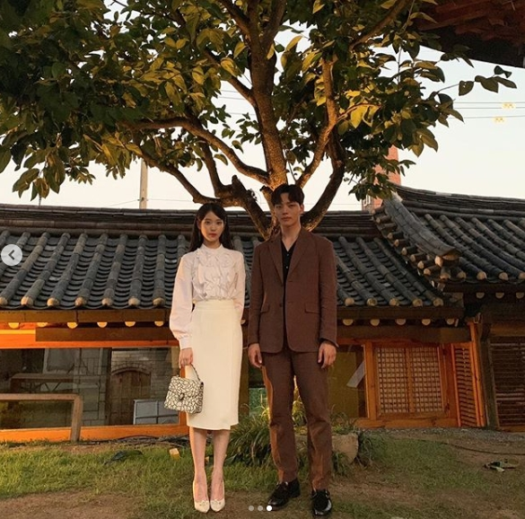 <p>IU(Lee Ji-eun), Yeo Jin-goo the most realistic couples like to boast said.</p><p>IU is 8 19, only a month Instagram on the tvN weekend drama, Hotel Del One Day shooting the female posted was.</p><p>Photo belongs to IU, Yeo Jin-goo is a side line holding a sweet gaze and receive the best.</p><p>IU is a photo with our ending is sad if you did not goodthe Hotel Del one day a happy ending. Both eyes Tingtingis added.</p><p>Meanwhile, IU(only calendar), Yeo Jin-goo(bought at the station)and starred in the Hotel Del one dayis every Saturday 9pm broadcast</p>