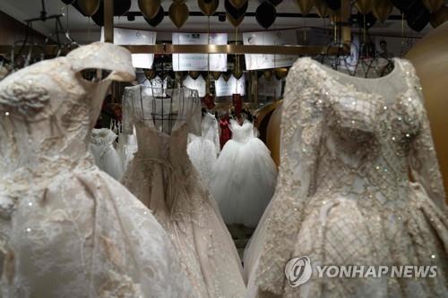 웨딩드레스 가게(기사와 직접 관련 없음) [AFP=연합뉴스]