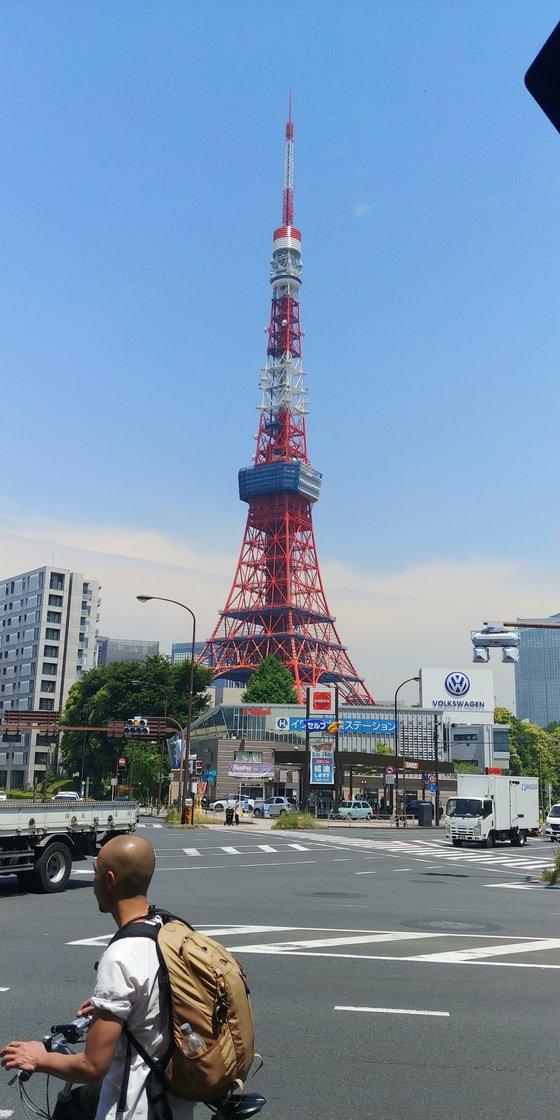 도쿄 타워 바로 근처에 위치한 수소 충전소 [서유진 기자]