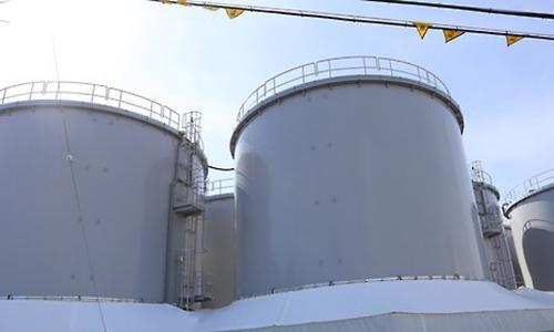 폐로 작업이 진행 중인 일본 후쿠시마 제1원전 내부에 있는 오염수 탱크. 연합뉴스