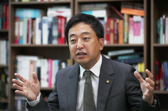 금태섭 의원은 현 정부의 검찰개혁안이