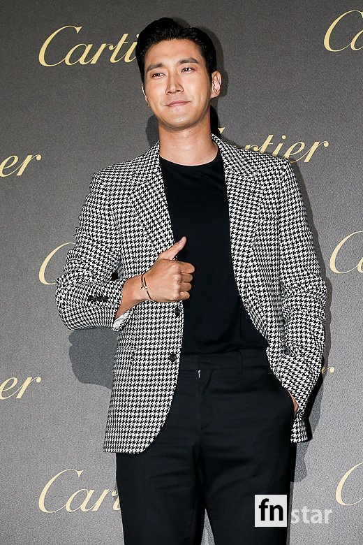 <p>Super Junior Choi Siwon  this 19 Afternoon Seoul Seongdong District s factory progress in the Cartier 'the anchor drag day' The Party can attend the photo you have.</p><p>※ Copyright ⓒ</p>