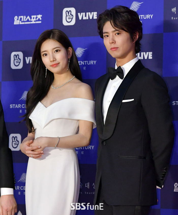 <p> Actor Park Bo-gum this Bae Suzy and screen in only a day.</p><p>Park Bo-gum this Tae-Yong Kim Director of the new Wonder Parkof the starred suggestions received as well. Company side is reviewed only briefly revealed.</p><p>Wonder Parkis only right(2011)on the famous Kim Tae-Yong Director in 8 years to prepare a new will. Bae Suzy and Choi Woo-Shik, Tang Wei is the natural suggestions under consideration. Park Bo-gum is Bae Suzy review of the role of a boyfriend role to the proposal received was reported.</p><p>Two people in the past whites of the Arts Awards co-MC for his bar. But the film as a lead up to the interest collected.</p><p>Park Bo-gum is currently in the film Western loop(this employer Director) last shot on the swing.</p>