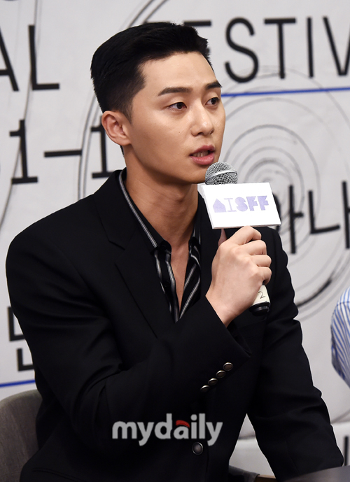 <p> Actor Park Seo-joon, this 17th annual Asiana International Short Film Festivalsspecial audit Committeeas trust, responsibility and the To revealed.</p><p> Ahn Sung-Ki Executive Director, Chapter standards conversion the President of the jury, Park Seo-joon and welcome the special audit Committee, the more natural programmers were in attendance.</p><p>This day, Park Seo-joon is the main information management with special attention for touch attracted attention.</p><p>Especially in the last 7 31, the opening for the movie Lionin the focused breathing Actor Ahn Sung-Ki side by side with film development in strength and warming to know about.</p><p>Even more Park Seo-joon is a comprehensive programming channel JTBCs new Morning drama, Itaewon then write ready to shoot as the schedule and even though, senior safety at the request of a delightfully responsive means showed up.</p><p>This day, my life consists of the Executive Committee the Executive Committee have to do the important work of the UN special audit Committee to be included in. This year, any minute of the jury, as all must be, or always worried he was. It was during the past summer opening for Lion stage to the Park Seo-joon to keep in mind was calledthe story said.</p><p>The stage is at the end, now say if you want to be like boys not like a Muslim flash talk pulled. Park Seo-joon in this there had been crossedand your shivered.</p><p>Safety is for me too great help received. Park Seo-joon in this drama Taken as a very busy have to spend the time, so as to show in what Thank you. Or the lion promotion schedule after the end of the face did not see, this opportunity to meet again so good,said the affection was shown.</p><p>But Park Seo-joon is exactly the COEX Megabox in the fall were,said he to the scene laughter as it was made.</p><p>This he said, Ahn Sung-Ki sunbaenim offer you for that too, but the gratitude was, screening should be part of the burden carefully approached. I doubt you can do that level or want to worry about this was. But activity in the short films often have access to opportunities not many, but a new vision that can open the opportunity to get a like from glad. Wholeheartedly to God. My standard maximum objectively the film in the screening I willand responsibility, exposed.</p><p>Park Seo-joon is now a lot of opportunities given to the public became known, but the former, like me, eagerly and hard, Ready and Actor many think. They know a lot to be a part of encouraging the heart, with the opportunity to create such a standard as to what if and thinkinghow sincere I was.</p>