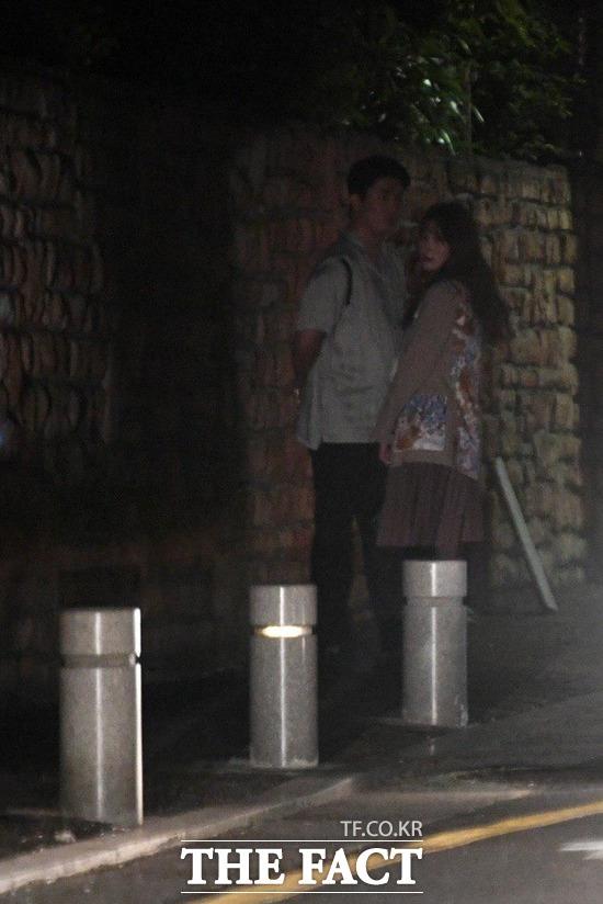 박규리와 송자호 씨는 늦은 시간까지 데이트를 하며 사랑을 확인했다. / 남윤호 기자