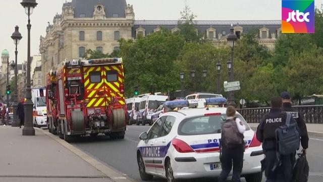 프랑스 경찰청서 4명 피살..평범했던 동료가 왜?[사나이 토토|스포츠클럽 토토]