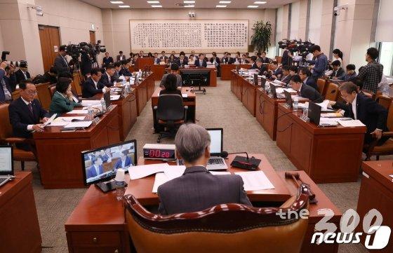 조국 vs 윤석열 대리전.. 오늘 법사위 대충돌