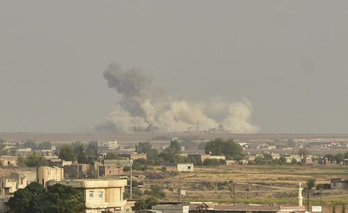 터키군 전투기의 공습을 받은 쿠르드족 도시 라스 알-아인 [아나돌루=연합뉴스]