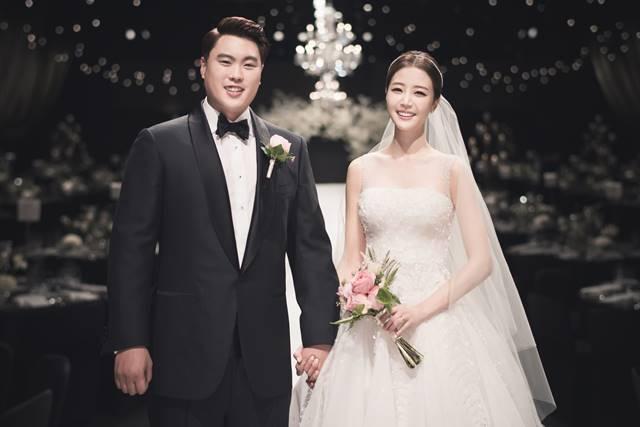 류현진·배지현, 결혼 2년만 아이 소식..임신 6주차