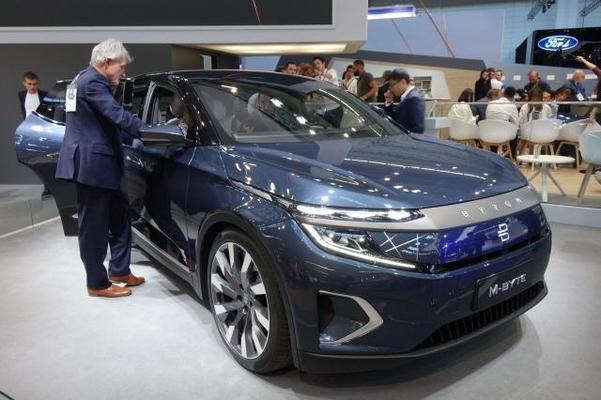 중국 전기차는 이미 글로벌 시장에서 높은 기술력을 갖춘 것으로 평가받고 있다. 사진은 지난달 열린 '2019 프랑크푸르트 모터쇼'에 전시된 중국 퓨처모빌리티의 프리미엄급 전기차 SUV인 M바이트/진상훈 기자