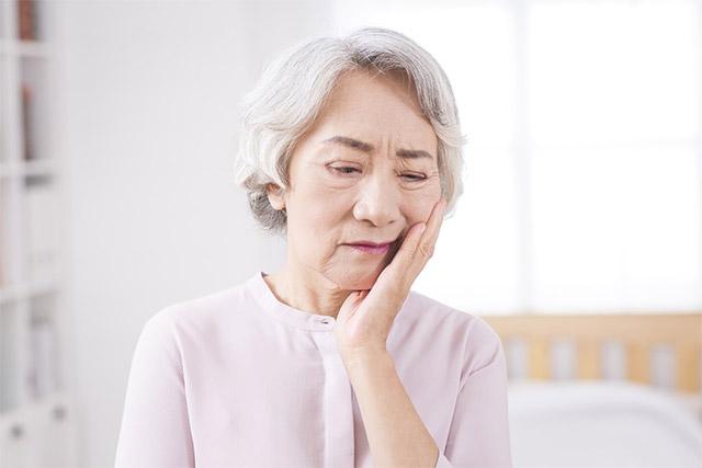 나이가 들면 노폐물 배출이 원활하지 못해 체취가 변할 수 있다./사진=클립아트코리아