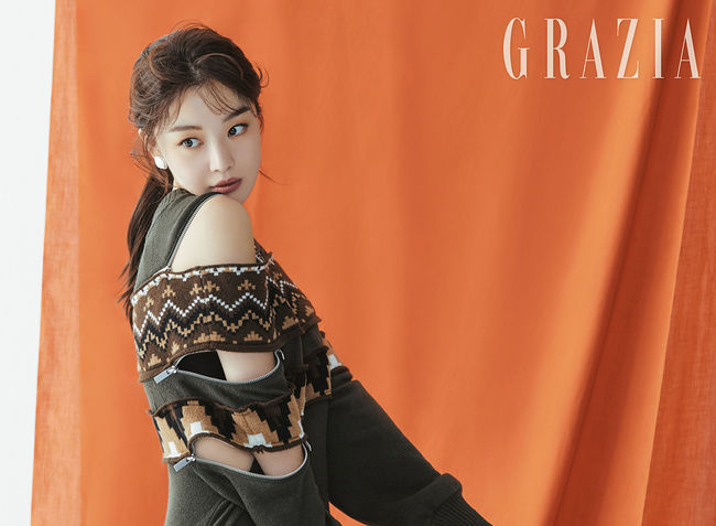"""<p> Actor Han Sunhwa brother of the X1 For you to affection and cheer your horse to the left.</p><p>Save Me 2in the Amsterdam station with impressive acting to unfold the Actors Han Sunhwa with fashion magazine Grazia 11 October number of the pictorial decorations.</p><p>Soft taupe color and brown color of the makeup to highlight this pictorial in the Han Sunhwa of soft and alluring beauty to a will features. The eyes and lips to water their wide range of brown color point of the beauty look-the perfect digestion and mood an 'autumn goddess'as reborn.</p><p>Grazia in an interview with the Actor to step into growing her sincere story could be. Han Sunhwa is postponed at the beginning of the month, with the changes they asked what is the question """"when you are young than I long afford to be responsible with homework there is a lot of worries was. Watchful that there were so more carefully developed. Such inner change, thanks to the Mature feeling,""""he said.</p><p>Or Han Sunhwa is X1 as the activity started watching Sister feel about the """"Too Proud to. Now just start to tell your brother sister or the presence of potentially stumbling, even if you should think on the tee I try not to were. Brother themselves a this day I look back at the cheering and encouragement was. """"And, and """"a face white and hard to near each other as resembles. It subtract all different,""""he praised. </p><p>Han Sunhwa recently, the independent film appearances and the upcoming shoot on the stone is expected to. Her pictorial and interview with Grazia magazine 11 June meet in May.</p>"""