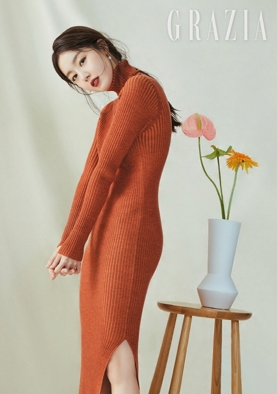"""<p>The singer-born actress Han Sunhwa brother For you had been talking about.</p><p>Fashion magazine Maria Grazia Cucinottais 21 OCN drama Save Me 2in the Amsterdam station with impressive smoke unfolded Han Sunhwa and progress for the public.</p><p>This pictorial is in the Han Sunhwa of soft and alluring beauty to a will features. Han Sunhwa is the eyes and lips to water their wide range of brown color point of the beauty look-the perfect digestion and mood an 'autumn goddess'as reborn.</p><p>Han Sunhwa is through the interview belongs to confide here. Smoke at the beginning of the month, with the changes they asked what is the question """"when you are young than I long afford to be responsible with homework there is a lot of worries was. Watchful that there were so more carefully developed. Such inner change, thanks to the Mature feel""""was called.</p><p>Or X1 as active brother For you see in the mood for """"too proud to. Now just start to tell your brother sister or the presence of potentially stumbling, even if you should think on the tee I try not to were. Brother themselves a this day I look back at the cheer and encouragement, said,""""in terms of """"a face white and hard to near each other as resembles. It subtract all different,""""he said.</p><p>Meanwhile, Han Sunhwa recently, the independent film appearances and the upcoming shoot on the stone is expected to. Han Sunhwa of pictorial and interview with Maria Grazia Cucinotta 11 monthly meet in May.</p><p>Photo provided  Maria Grazia Cucinotta</p>"""