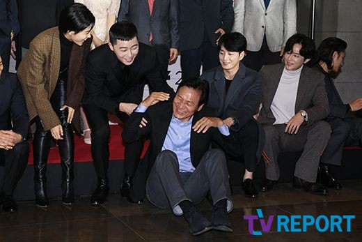 <p> Learn main information Pool, Park Seo-joon, Safe period, Lee Hyeonwuk, Kwon Yul, this 31 afternoon Seoul new Cine Cube Gwanghwamun held at the 17th annual Asiana International Short Film Festival opening ceremony to attend a posing are.</p><p>Park Seo-joon, the main Information Management special audit Committee to contact the 17th annual Asiana International Short Film Festivalis the first domestic international competition Short Film Festival coming to the 11 November, up to 5 days in Seoul Cine Cube Gwanghwamun, the building is in progress.</p>
