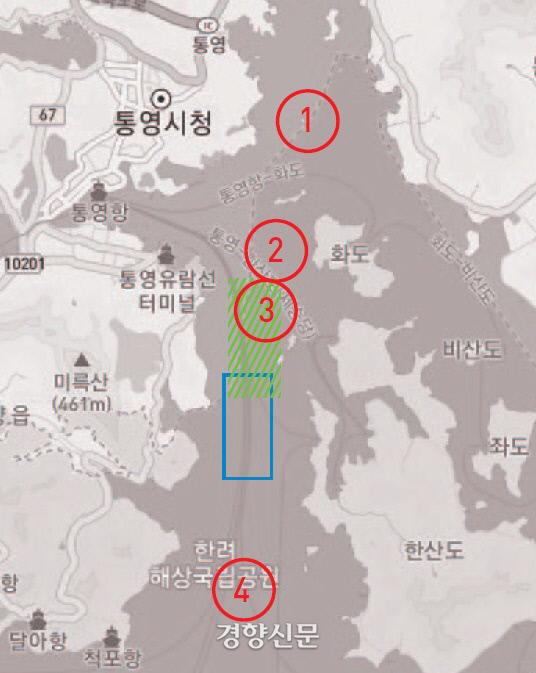 그동안 학계에서는 원 ① ② ③ ④ 지점이 한산대첩의 장소로 추정됐다. <화국지>의 기록으로 보면 연두색 박스 지점이 한산대첩의 장소로 볼 수 있다. <와키사카기>의 기록으로 보면 조금 아래쪽 파란색 박스 지점이다. 지도의 맨윗부분이 물길이 좁은 견내량이다./다음지도
