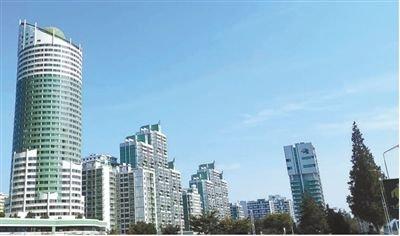 중국 인민일보는 12일 북한 방문기에서 평양의 여명거리엔 고층빌딩이 즐비하다고 소개했다. [중국 인민망 캡처]
