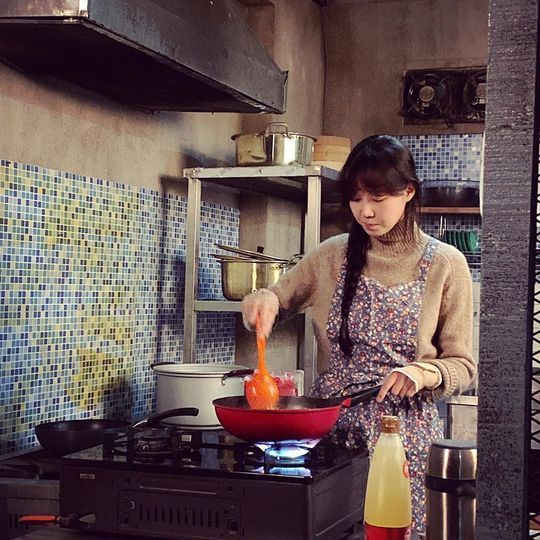 <p>Actress Gong Hyo-jin, this can be students in the Cheering, and handed in.</p><p>Gong Hyo-jin is to 11 14 to his Instagram in the students test well report The two-day match eat in?called post with the pictures showing.</p><p>The picture on KBS 2TV every Camellia need it shooting up Amelia in The two-day match to fry Gong Hyo-jin of all our won. Gong Hyo-jin is a hair in one braid down pure attraction more. Gong Hyo-jins disappearance seemed to be a small face size into it.</p><p>News for fans is four Camellia seed, real good time, Can 4 years ago saw, but The two-day match is I want to eat, etc., reactions.</p><p>Gong Hyo-jin and the sky and the starring Camellia need itis every Wednesday, Friday 10 p.m. broadcast</p>