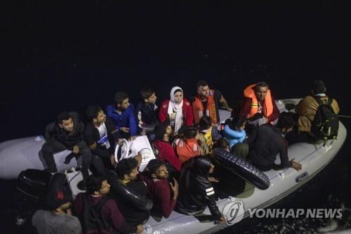 에게해에서 발견된 난민 보트 [AP=연합뉴스]