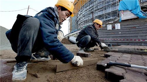 러시아 건설현장에서 일하는 북한 노동자. 연합뉴스