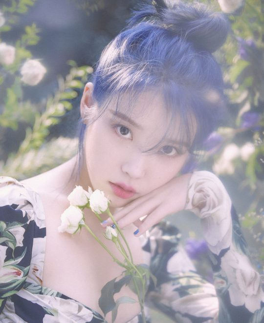 "<p>48 Parking Gaon Music Chart in singer IU (IU)and the group EXO( EXO)each with 2 gold medals accounted for.</p><p>5 Gaon Music Chart, and operating the Korea Music Content Association ""IU (IU)of 'Blueming'the 48 car(2019. 11. 24~2019. 11. 30) the digital chart, streaming chart and in the 2 weeks consecutive # 1 position for 2 medals of Honor did the EXOs new album 'option bird collection(OBSESSION)'and the title track 'option of the session(Obsession)'the album chart, the download chart at # 1 is to 2 gold medals occupy a personal library page,""he announced.</p><p>Action of 'Obsession'is the last 2 days public Gaon retail album weekly chart with 11 monthly chart all 1 ranked bar.</p><p>Social Chart 2. 0'in the BTS 22 consecutive weeks # 1 in Chicago. 2 for steel Daniel accounted for.</p><p>48 car digital chart ranking in the Divine Comedy # 13 EXO 'Obsession', 51 for AOA 'see me Come On (Come See Me)', 71, for the river Daniel 'TOUCHIN', 80 for the dynamic Duo (Dynamic Duo) 'map and the date and method (Feat. Page Casino-app)', 91, See also mean 'end user', etc.</p>"