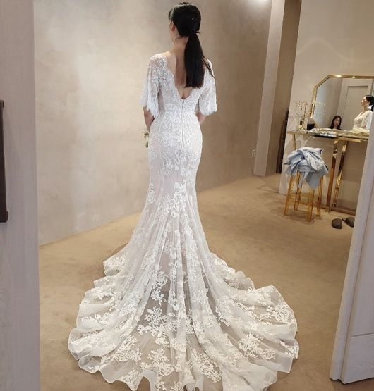 <p> Model Hye-rim Park this Reminder wedding at the ready stepped forward.</p><p>Hye-rim Park is a 5-day to his Instagram in the priest felt #Reminder wedding #preparation #shakingthat photo with the two showing.</p><p>Public photo belongs to Hye-rim Park is a mermaid wedding dress you are wearing. The skirt is a line rich is not instead of the elegant curves and off, Hye-rim Parks slim body is remarkable. Long train, floral embroidery detail, such as his elegance is maximized.</p><p>Hye-rim Park is the last 2008 in the United States Tennis Coach Brian night and wedding as rang. Last year, the 11 March wedding in 10 years the first daughter Liao Yang in her arms did. [Photo] Hye-rim Park Instagram </p><p> Hye-rim Park Instagram </p>