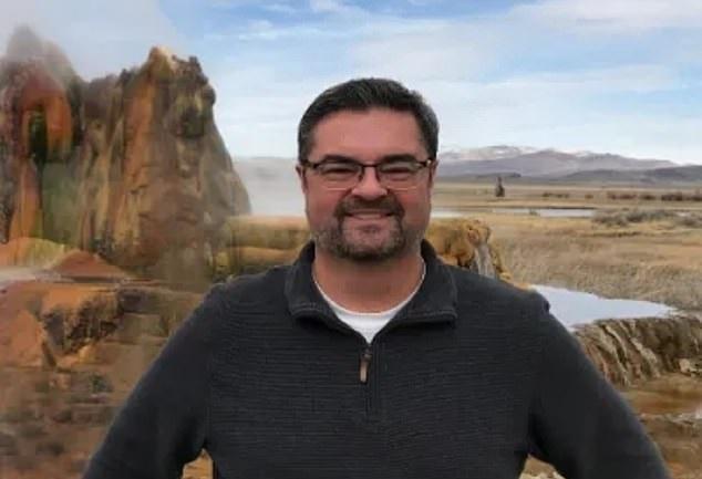 두 사람의 DNA를 가지고 평생을 살아가야 하는 미국 40대 남성 크리스 롱
