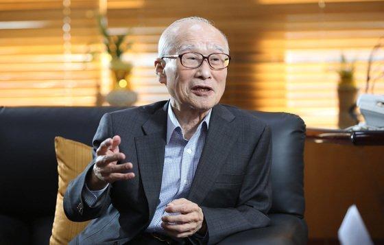 고(故) 김우중 전 대우그룹 회장은 한국 산업화의 주역이었지만 압축성장의 한계를 드러낸 인물이기도 하다. [중앙포토]