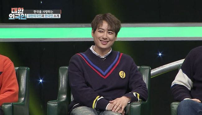<p> Actor and singer Lee Ji-hoon, this For foreignin actor Lee Jung-jae and of a special nature to the public.</p><p>Lee Ji-hoon is the recent progress with MBC live support For the foreign in shooting as a guest appeared.</p><p>In 1996, 18 years old I debut, Lee Ji-hoon is a heart-warming appearance and outstanding singing ability as a big winner. Since his talent as a forward, currently a musical actor active to software and services.</p><p>MC Kim, only that to aid National Southeastern students. So the nickname Tapgol Lee Seung-giand introduction to capital. On this, Lee Ji-hoon is no idea,said Wormwood but seemed funny. This in Myungsoo Lee Ji-hoon, this Tapgol if Kims only brother Ashes(?)This is because,said sniper dialogue to the scene to laugh them here.</p><p>Also this day, Lee Ji-hoon is the actor Lee Jung-jae and of For revealed that. MC Kim Yong only why is the sky music video on Lee Jung-jae Mr. how it appeared to me becauseyou asked, he said: if a girl is President Lee Jung-jae brother is friends with him. Lee Jung-jae brother first appearances and to meet me and appeared to resolve you,said Lee Jung-jaes appearances secret to the public.</p><p>This he put was a high school student that recall the why the sky isopen the window, Lee Jung-jae with me that the endings of poses and appearances of the applause received.</p><p>As well as this day, broadcast in South Korea from the creative musical hero basic searchof Trout Lake, taking the role of the Democratic Revolutions ost party yearsto open the window to impress out here.</p><p>Tapgol Lee Seung-gi Lee Ji-hoons trivia challenge are 11, 8: 30pm broadcast. /</p>