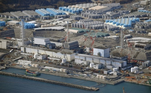 폐로 작업이 진행 중인 후쿠시마 제1원전 1호기~4호기(오른쪽에서 왼쪽). 마이니치신문 제공
