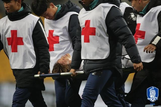 [한국 홍콩]김승대 오른쪽 갈비뼈 부상 확인, 정밀검진 예정[천국 토토|러너 토토]