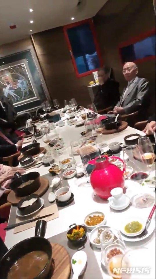 [서울=뉴시스]임한솔 정의당 부대표는 12일 전두환 전 대통령이 '12·12 사태' 40주년인 이날 강남의 한 고급 식당에서 기념 오찬을 가진 영상을 공개했다. (영상 제공 = 정의당)