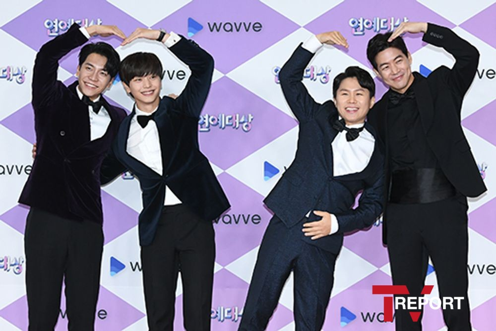 <p> Singer cum Actor Lee Seung-gi, Group BtoBs Yook Sungjae, comedian Yang Se-hyeong, Actor Lee Sang-yoon is 28 p.m. in Seoul, MAPO-GU, Sangam-Dong SBS Prism Tower held in 2019 SBS Entertainment Awards awards to attend a posing are.</p><p>Kim Sung-Ju, Park or so, adjust the formula to progress 2019 SBS Entertainment Awardsis set in 2019, the most hot programs and most beloved entertainer who once the festival of the long night with 9 hours of life from broadcasting it.</p>