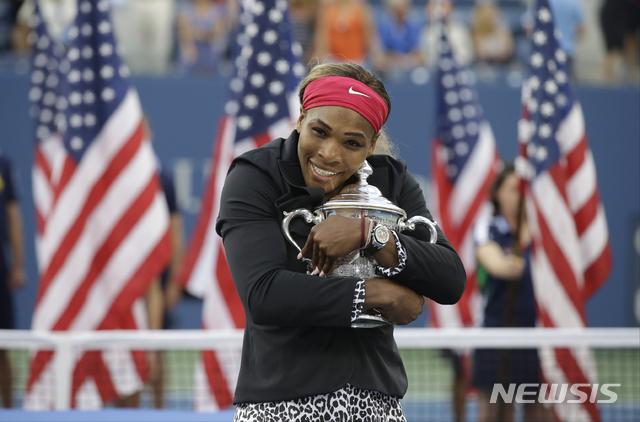 [뉴욕=AP/뉴시스] 2014년 US오픈 여자 단식에서 우승한 세레나 윌리엄스의 모습. 2014.09.07
