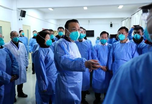 우한 현지 병원 방문한 리커창 [중국 정부망 제공]