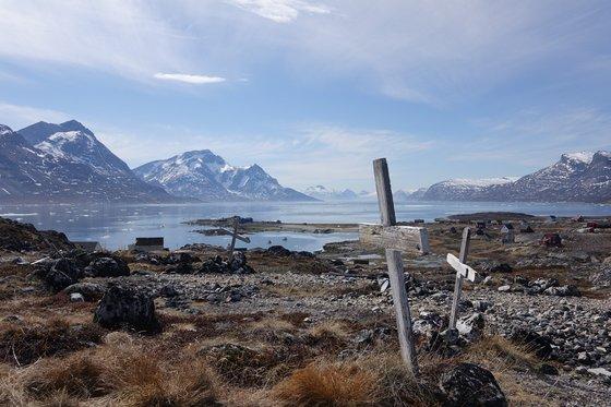 버려진 섬 코르노크의 정상에는 이 땅에서 태어나 살다간 사람들의 무덤들이 있었다. 최준호 기자