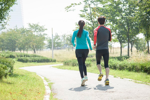 운동할 때는 유산소 운동과 근력을 조화롭게 시도해야 한다./사진=클립아트코리아