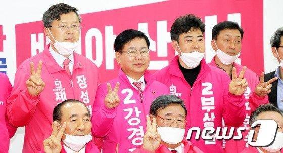 통합당 제주도선대위 '원팀'..경선탈락자 모두 가세 세 결집