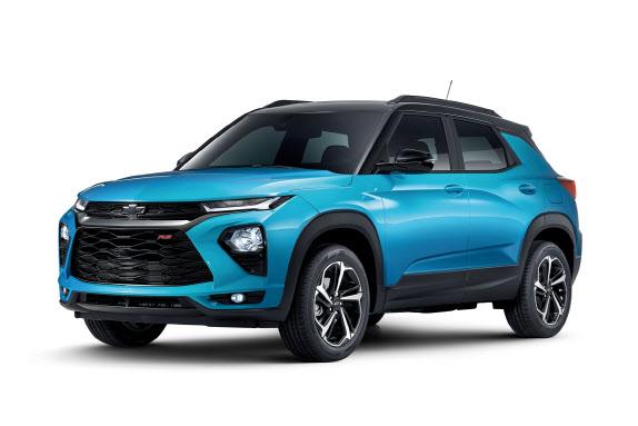 한국지엠의 소형 SUV 트레일블레이저. 해당 차량은 유일하게 이비자 블루 색상 선택이 가능한 RS트림.(사진=한국지엠 제공)