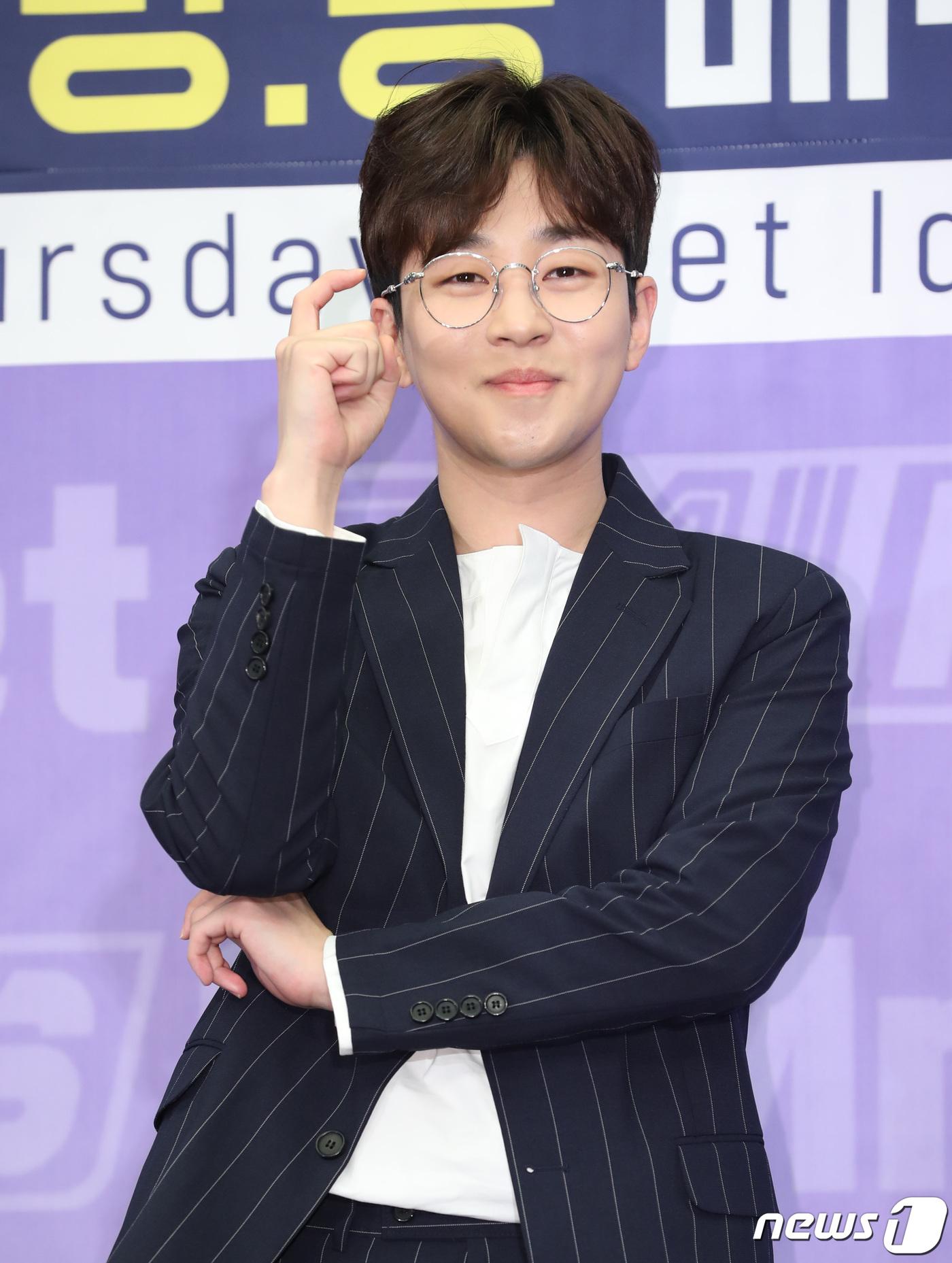 [단독] '대세' 딘딘, 웹 예능 'YA! 너두' MC 발탁..15일 첫방 | 인스티즈