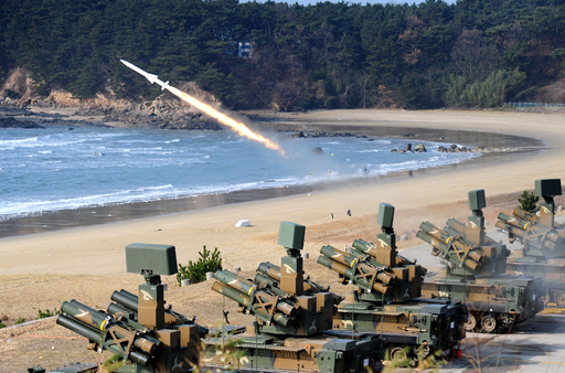 육군 천마 지대공미사일 발사차량에서 미사일이 발사되고 있다. 세계일보 자료사진