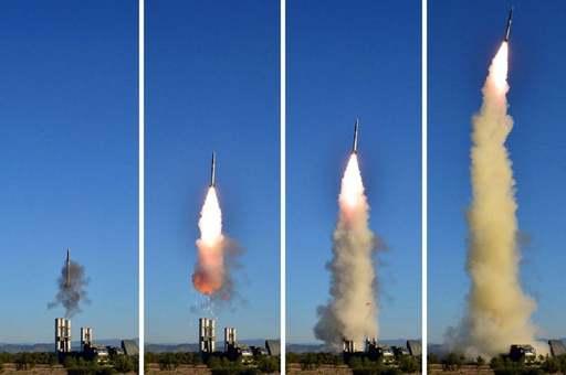 북한군 KN-06 지대공미사일이 가상 표적을 향해 발사되고 있다. 세계일보 자료사진