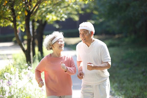 평소 신체 활동량이 많은 사람은 병원에 입원할 확률이 적다는 연구 결과가 나왔다./사진=클립아트코리아