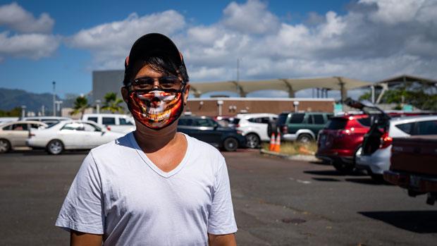 하와이 와이키키의 한 호텔에서 일하던 마리아노 로바는 지난 3월 8일 교대근무를 마지막으로 더이상 출근하지 말라는 통보를 받았다. 졸지에 실업자 신세가 된 그는 실업수당을 받기 위해 고군분투했지만 아무런 성과도 거두지 못했다. 지난 8일(현지시간) 로바는 결국 굶주린 배를 부여잡고 난생처음 '푸드 뱅크'의 도움을 받았다.