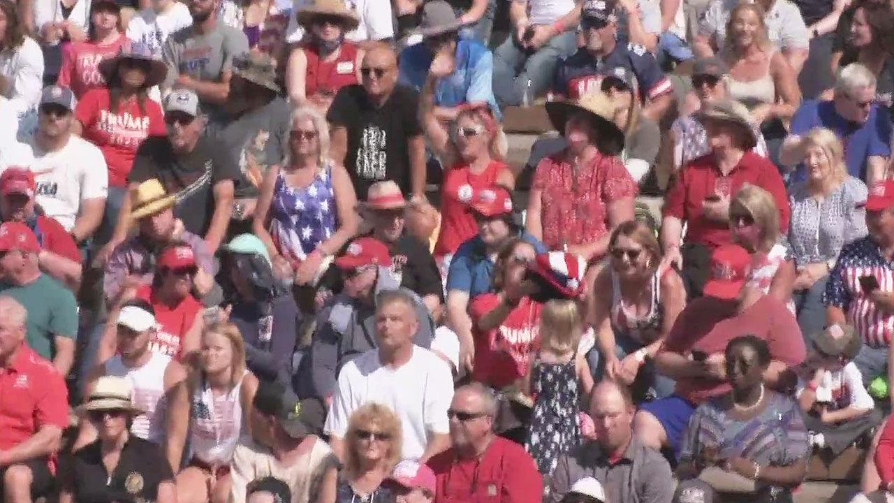 트럼프 지지자 7천여 명, 마스크 없이 '다닥다닥'[에덴 토토 애플 토토]