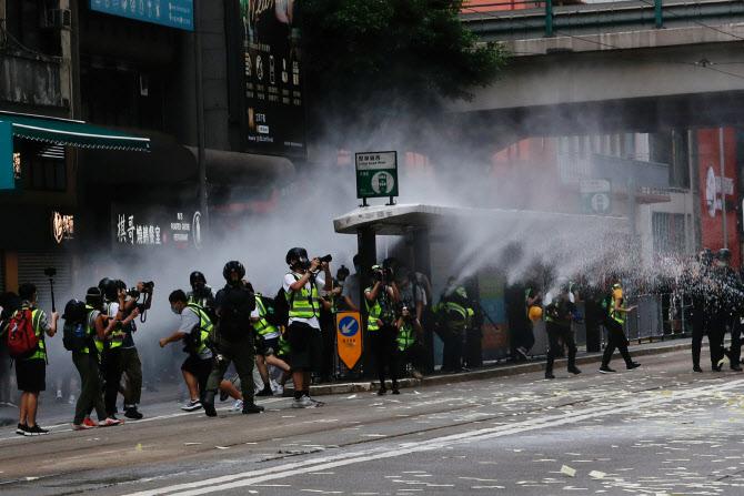 홍콩, 교과서 폐기에 SNS 검열까지..'표현의 자유' 침해 논란[카지노딜러자격증 더호텔]