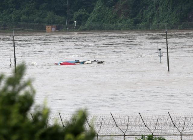 하루 새 사망자 2명 추가 발생, 경기 일시 대피 주민 2배 증가.. 깊어지는 폭우 상처[포커스 토토|불법스포츠베팅]